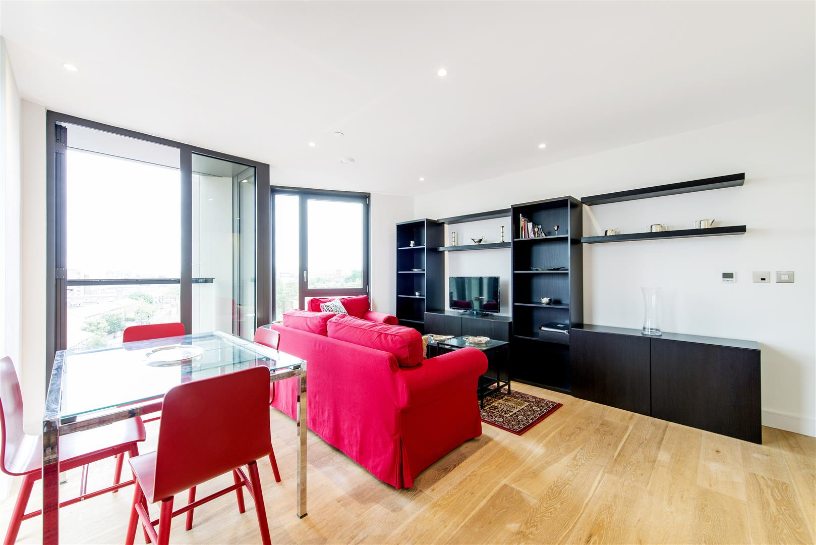 2 Bedrooms Flat for sale in Parliament House, 81 Black Prince Road, Nine Elms, London SE1